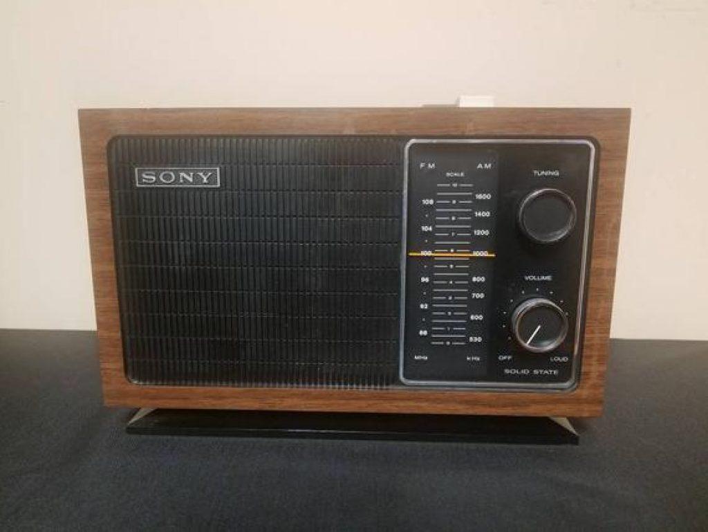 Začátky technické revoluce. Tranzistor Sony.